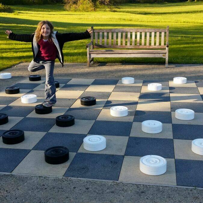 Jeux de dames Parc Thermal La Roche-Posay ©VALLE-ANCEAU Fabienne