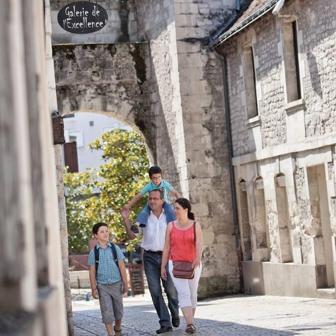 Porte de ville cité médiévale La Roche-Posay