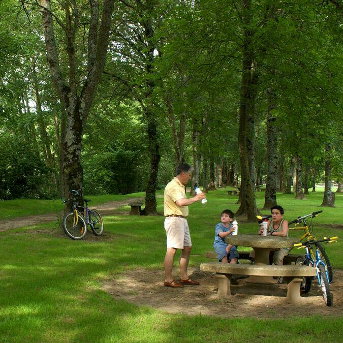 Things to do and picnics on the banks of the Creuse La Roche-Posay